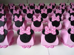 Minnie Mouse Rosa, Minnie Mouse Party, Mouse Parties, Birthday Party Decorations, Birthday Parties, Mini Mouse, Mickey Mouse Birthday, Unicorn Party, Holidays And Events