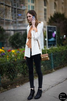 Button down + Cropped Skinny Jeans + Ankle Boots! Photo by #styledumonde
