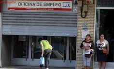 España reduce el paro pero sigue líder en desempleados en Europa