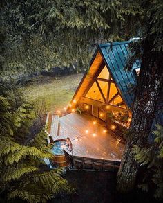 [New] The 10 All-Time Best Home Decor (Right Now) - Home Decor by Carolyn Saunder - Tiny House in forest Tiny House Cabin, Cabin Homes, Tiny Homes, Cabins In The Woods, House In The Woods, Cottage In The Woods, Cozy Cottage, A Frame House Plans, Haus Am See