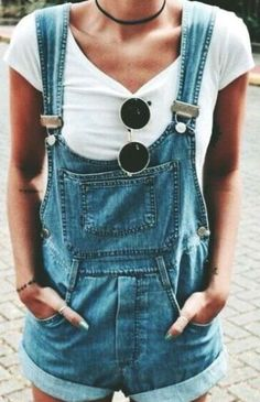 Overalls make the most perfect and trendy summer outfits!
