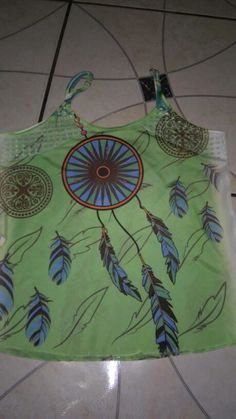 Blusa chifon com detalhe de arrastao sublimada