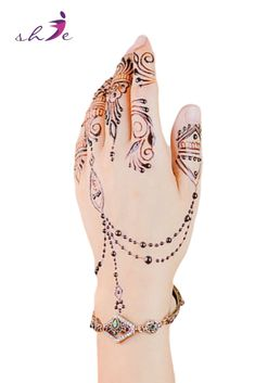Simple Mehndi Designs  #arabicmehndidesigns #arabichennadesign #mehndidesignssimple #mehndidesigns2019 #mehndidesigns2020 #latestmehndidesigns #simplehennadesigns #mehndidesignseasy #mehndidesignforhandssimple Arabic Henna Designs, Latest Mehndi Designs, Bridal Mehndi Designs, Simple Mehndi Designs, Henna Leg Tattoo, Leg Tattoos, Tattoo Ink, Traditional Tattoo Old School, Traditional Tattoo Flash