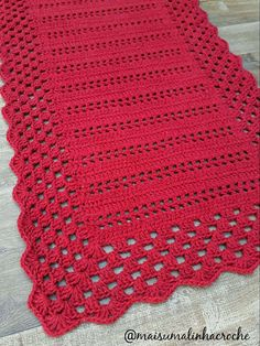 crochet doilies rugs mats and Crochet Table Runner Pattern, Crochet Doily Rug, Crochet Tablecloth, Crochet Home, Filet Crochet, Baby Blanket Crochet, Crochet Baby, Crotchet Patterns, Crochet Stitches Patterns