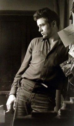 James Dean - what a huge talent. Jimmy left us way too soon. I have often wondered -had he lived what a huge line of work he would have.  He is forever young.  RIP Jimmy. : (