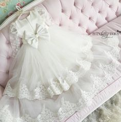 Briana White Long Christening Gown for Girls | Itty Bitty Toes Para se inspirar