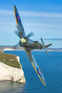 The Supermarine Spitfire was a British fighter plane used in WWII. It had a speed of 369 mph, was a short-range aircraft, over were built. Ww2 Aircraft, Fighter Aircraft, Military Aircraft, Fighter Jets, Aircraft Carrier, Spitfire Supermarine, Ww2 Spitfire, Image Avion, Ww2 Planes