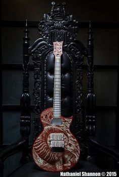 Exodus / Slayer's Gary Holt Reveals Guitar Painted With His Own Blood!