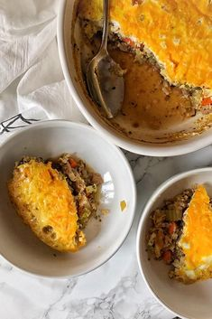 Shepherd's Pie? Oh, my! Miracle Rice, turkey, carrots, celery, and cheese! Yes,please!Recipe by Miracle Noodle Ambassador, Rebecca Spitzer.  Serves 6  Ingredients  1bag of Miracle Rice 1 cup of beef broth 2 Tbspofgelatin 1 tsp oil of choice 1 lb ground turkey (or beef) 3 oz celery, diced 3 oz carrots, diced 3 cloves garlic 1 Tbsp Worcestershire Sauce 1 tsp parsley 1 tsp thyme 6 eggs 2 Tbsp heavy cream (more or less to your macros) 2 oz shredded cheese  Method    Preheat oven to 35...