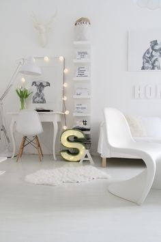 use of ikea lack shelves. Style At Home, Home Living Room, Living Spaces, Sweet Home, Home And Deco, Scandinavian Home, My New Room, House Rooms, Home Fashion