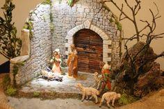 Presepi e diorami d'autore 8 Christmas Nativity Set, Christmas Time, Nativity Stable, Cribs, Christmas Decorations, Wallpaper, Painting, Home Decor, Christmas E Cards