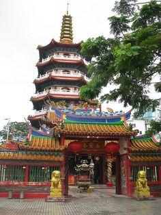 Tua Pek Kong Tempel, Malaysia by LeoKoolhoven, via Flickr