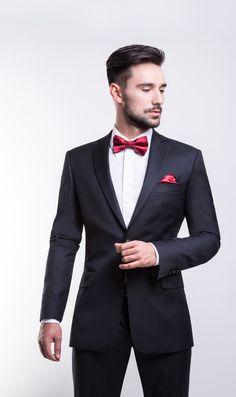 Giacomo Conti - Fall Winter 2013/2014 wedding lookbook: grafitowy garnitur ślubny w delikatne prążki Marco2 183b, biała koszula pod muszkę Mario slim 001 oraz czerwone dodatki #giacomoconti