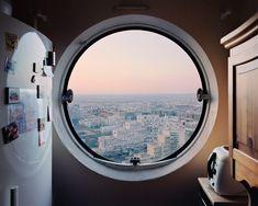 iGNANT-Photography-Laurent-Kronental-Les-Yeux-Des-Tours-06