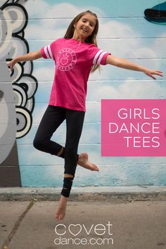 Does your little one dance like ALL THE TIME??? This sporty tee was meant for her then. It's super cute to wear to and from her beginning ballet classes and really, just anywhere to show her passion for dancing. Put it on over a leotard for travel back and forth to the dance studio or wear to school. All dancers can relate to the 5-6-7-8 incorporated into the design. Preteen Girls Fashion, Tween Girls, Girl Fashion, Ballet Clothes, Football Girls, Ballet Class, Tiny Dancer, Dance Studio, Girl Dancing