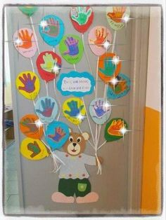 30 Classroom decorating ideas - Aluno On School Board Decoration, Class Decoration, Birthday Charts, 21st Birthday Cards, Diy Classroom Decorations, School Decorations, Christmas Crafts For Kids To Make, Fun Crafts For Kids, Carnival Crafts