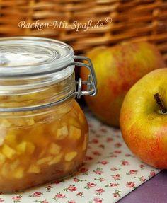 Süße, winterliche Marmelade eignet sich hervorragend als Beilage zum Pfannkuchen, Waffeln, Kuchen oder auch als Einlage für Naturjoghurt. Diese handgemachte...