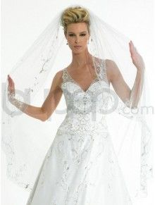 A-Line Tulle Embroidered Bodice Sweetheart Neckline Fingertip Train Wedding Dress (V6122)