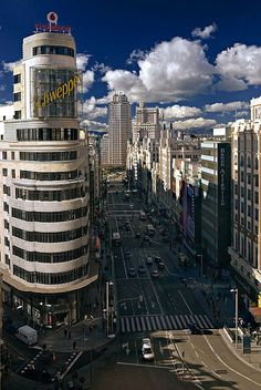 Panoramica de la Gran Via y Callao, Madrid. España