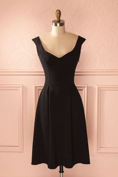 Everyday dresses - Black is the king of colors – Everyday dresses Evening Dresses, Summer Dresses, Short Dresses, Formal Dresses, Everyday Dresses, Lovely Dresses, Ideias Fashion, Ball Gowns, Party Dress