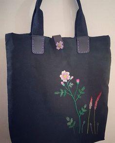야생화자수 린넨 가방.. 즉흥적으로 도안 그려 만든 가방..간단히 나갈때 유용~ #야생화자수가방#야생화자수 #야생화자수소품 #자수배우기 #자수가방