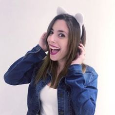 Captura: ⁨Lynita (@lynavallejos) • Fotos y videos de Instagram⁩ Lyna Youtube, Thing 1, Kawaii Anime, Instagram, Idol, Eve, Dani, Tobias, University