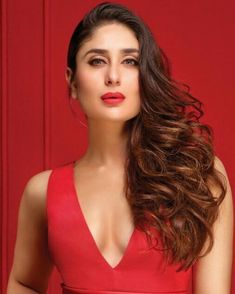 Kareena Kapoor in Red Hot Look Make Up Lipstick Brand Bollywood Posters, Bollywood Actors, Bollywood Celebrities, Bollywood Heroine, Kareena Kapoor Saree, Deepika Padukone Hot, Beautiful Indian Actress, Beautiful Actresses, Hollywood Actresses