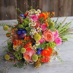 Bruidswerk van Rolf en Chantal!  #viaflora #kleurrijk #bruidsboeket