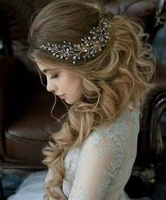 Today we show you some different & updated hairstyles for wedding girls in 2018. Wedding Hairstyles for Curly hair is the cute and romantic hairstyles for your wedding day. We list 50+ most beautiful and classic hair collection for bridal. You can see & must try these latest hairstyles for your next event or wedding. #weddingdayhair