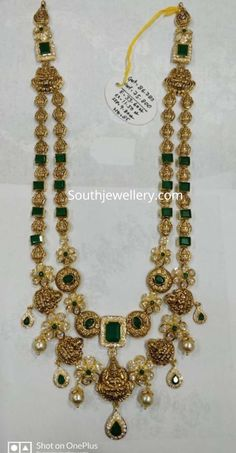 New Gold Jewellery Designs, Gold Temple Jewellery, Gold Earrings Designs, Gold Jewelry, Gold Designs, Jewelery, Indian Jewelry, Bridal Jewelry, Gold Haram