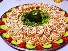 Ünnepi hidegtál ötletek! Az egyszerű finomságokból igazi különlegesség lesz! - Bidista.com - A TippLista! Party Food Platters, Party Snacks, Sushi, Waffles, Appetizers, Birthday Cake, Healthy Recipes, Healthy Food, Cookies