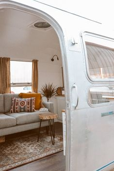 Photo 2 of 15 in A Beautifully Retrofitted 1969 Airstream Strikes a Chord With a Nashville Musician - Dwell Airstream Land Yacht, Airstream Decor, Airstream Bambi, Airstream Living, Airstream Remodel, Airstream Interior, Vintage Airstream, Campervan Interior, Airstream Trailers