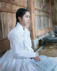 김소현 Korean Actresses, Child Actresses, Korean Actors, Korean Hanbok, Korean Dress, Korean Women, Korean Girl, Yoon So Hee, Kim So Hyun Fashion