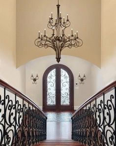Foyer Lighting – Chandeliers And Pendant Lights To Make Your Entryway Inviting