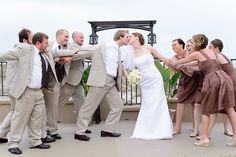 Funny-Wedding-Picture-Ideas designcorral.com #wedding #weddingpictures