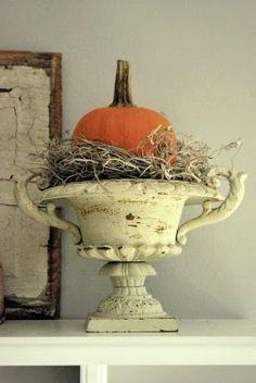 The Grower's Daughter: Seasonal Decor ~ Hints of Hallowe'en