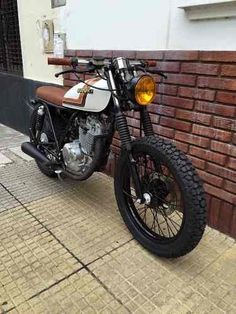 Check out a few of my well liked builds - tailor made scrambler hybrids like this Suzuki Cafe Racer, Suzuki Ts125, Cg 125 Cafe Racer, Suzuki Motos, Suzuki Bikes, Custom Cafe Racer, Cafe Racer Build, Suzuki Japan, Tracker Motorcycle