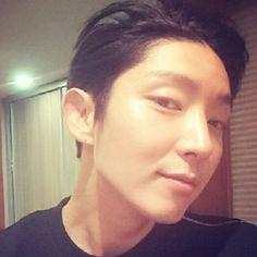 같이 웃지 ㅋㅋ #이준기#actor@actor_jg http://weibo.com/u/2600208451