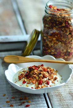 Para um pequeno-almoço ou um lanche saudável, Margarida Magalhães, autora do site Cooking&Margarida.com, propõe uma receita com xarope de agave em vez de açúcar
