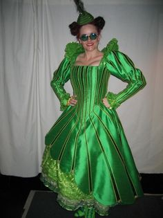 Image detail for -emerald city costumes Wicked Costumes, Broadway Costumes, Theatre Costumes, Ballet Costumes, Cool Costumes, Costume Ideas, Wizard Of Oz Play, Wizard Of Oz Musical, Wicked Musical