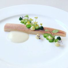 Gourmet Food Plating, Modern Food, Michelin Star, Food Goals, Fish Dishes, Culinary Arts, Food Presentation, Food Design, Dressage