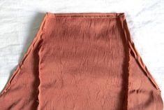 diy dresses for toddlers Diy Clothes Life Hacks, Clothes Crafts, Clothing Hacks, Sewing Clothes, Fashion Sewing, Diy Fashion, Fashion Hacks, Fashion Tips, Shirt Hacks