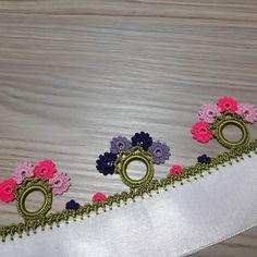 Oyanın yapılışını YouTube / Züleyhanın Tığ Ve İğne Oyaları kanalından izleyebilirsiniz. 💐#iğneoyası #igneoyasi #igneoyasisevenler… Crochet Purse Patterns, Crochet Purses, Creative Embroidery, Hand Embroidery Designs, Knitted Shawls, Knitted Poncho, Knit Shoes, Needle Lace, Knitting Socks