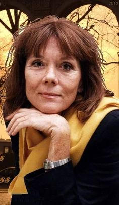 Emma Peel, Avengers Girl, New Avengers, Diana Riggs, The Original Avengers, Dame Diana Rigg, Best Avenger, Photography Movies, Beautiful Old Woman