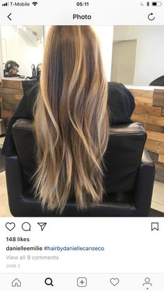 5 Hairstyles That Look Way Better on Dirty Hair - Convenile Hair Color And Cut, Hair Highlights, Gorgeous Hair, Balayage Hair, Hair Lengths, Dyed Hair, Hair Inspiration, Hair Inspo, Curly Hair Styles