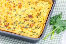 Eierkuchen - This Austrian egg cake's usual recipe includes beaten eggs, breadcrumbs, green onions, and optional Cheddar cheese. Cooking Panda, Spinach Pie, Brunch Casserole, Creamy Cheese, No Bake Pies, People Eating, Baked Eggs, Arugula, Ricotta