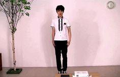 Kyungsoo's pose xD