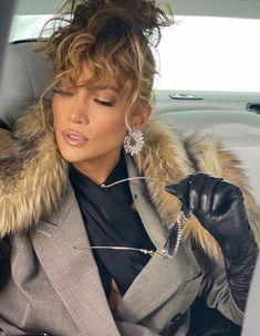 Shakira, Janet Jackson Videos, 00s Mode, Pictures Of Jennifer Lopez, Brown Blazer, Style Casual, Celebs, Celebrities, Black Bodysuit