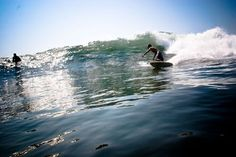 VOIR.CA - SURFING P.Q - 2 juin 2011 Surfing, Waves, Boat, Outdoor, Outdoors, Dinghy, Surf, Surfs Up, Boating