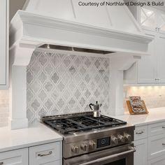 44 Inspiring Design Ideas for Modern Kitchen Cabinets - The Trending House Modern Kitchen Cabinets, Kitchen Redo, Kitchen Tiles, Kitchen Flooring, New Kitchen, Kitchen Design, Kitchen Backsplash White Cabinets, Stove Backsplash, Marble Tile Backsplash